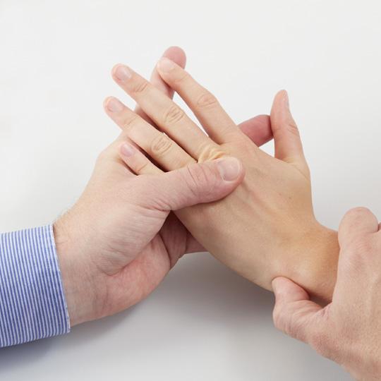 Schnelzer_Handchirugie